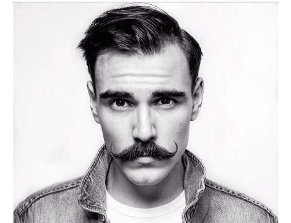 tailler-sa-moustache-chez-mab